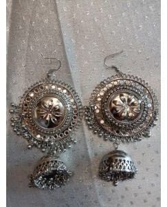 """silver oxidized earring Pack of one """